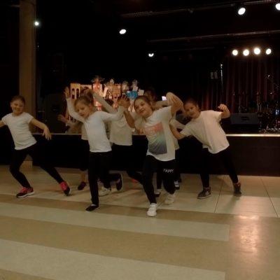 Utcai tánc
